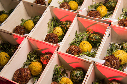 Wedding catering trends for 2017 catersource for Food bar trends